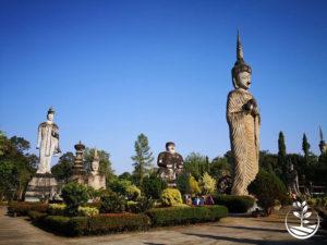 Wwoofing en thailande, faire du volontariat en thailande, faire du bénévolat en thailande, woofing thailande, thai wwoof, excursion en issan, guide à vientiane au Laos, bouddha